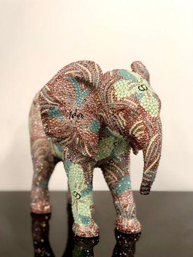 "ELEPHANT small ""J'ADORE"" feat. Warhol, 2019"