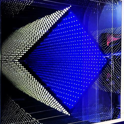 LED carré losange jaune et bleu
